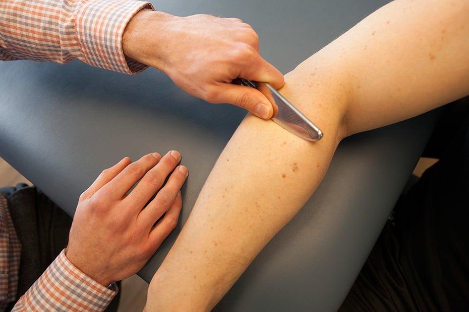 Mobilização de tecidos moles assistida por instrumentos IASTM
